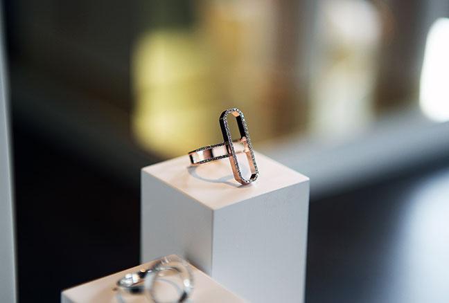 Diva Diamond Ring