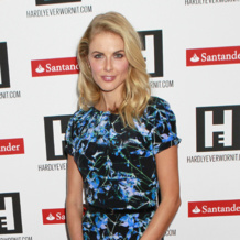 Donna Air wears Monica Vinader Baja bracelets and Riva diamond hoop earrings to the 2013 UNICEF Halloween event, October 2013
